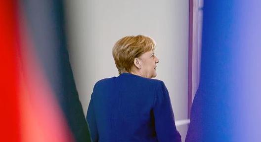 Der Zombie Merkel bereitet der Presse der Deutschgeld-Absauger-Staaten in der EU Sorge