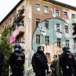 Im rotrotgrünen Berlin dürfen Straftaten von Linken nur mit Sondergenehmigung verfolgt werden