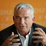 Baden-Württembergs Innenminister Thomas Strobl (CDU) will Quarantäne-Verweigerer zwangseinweisen!